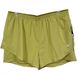 NWT Nike Plus Size Tempo Luxe Running Shorts